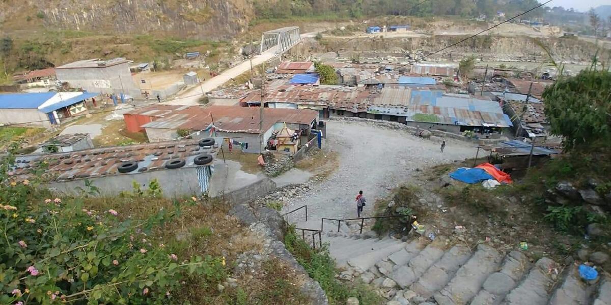 경계-포카라학교 정경.jpg